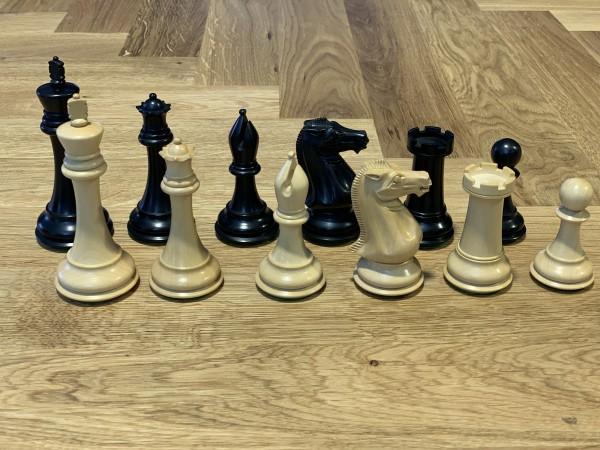 Schachfiguren in Ebenholzschwarz / Buchsbaum KH=105mm, gebleit