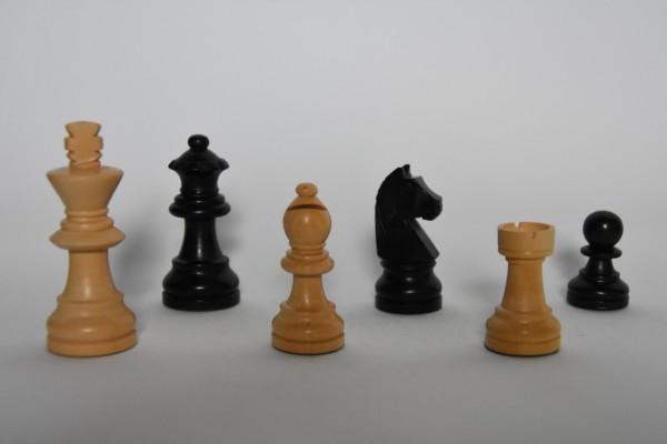 Schachfiguren Staunton, ungebleit, KH: 65mm, schwarz/weiß