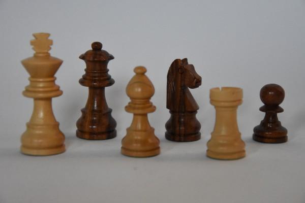 Schachfiguren Staunton, ungebleit, KH: 55mm, braun/weiß