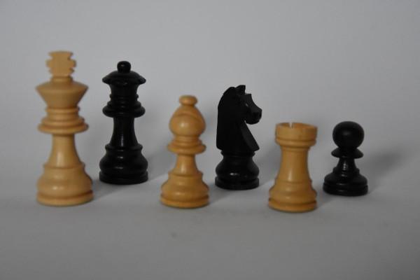 Schachfiguren Staunton, ungebleit, KH: 55mm, schwarz/weiß
